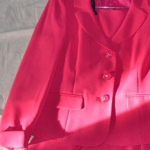 Beautiful New NWT Pink Skirt Suit from Kasper Size